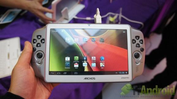 Prise en main de l'Archos GamePad, une tablette dédiée au gaming