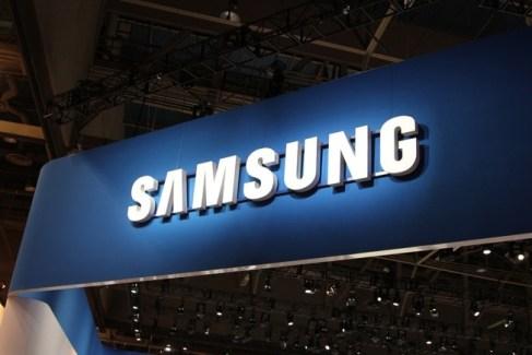 TouchWiz : Samsung reverrait sa copie pour débarrasser son interface des bloatwares