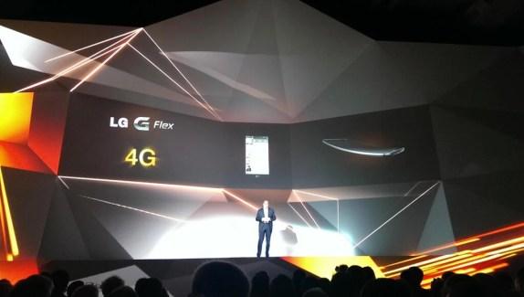 LG G Flex : Orange confirme son exclusivité et une sortie pour février 2014