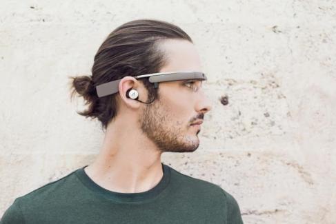 Une nouvelle version des Google Glass propulsée par Intel ?