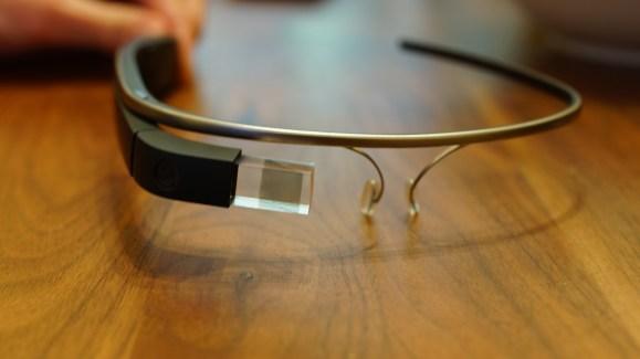 Google Glass, la nouvelle version se dévoile peu à peu
