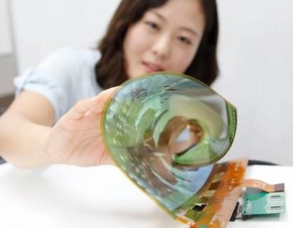 Pour anticiper la demande (d'Apple), LG va produire des écrans OLED en masse