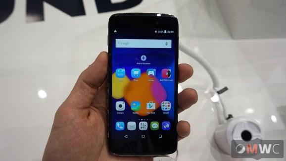 Prise en main des Alcatel One Touch Idol 3, les smartphones «réversibles»