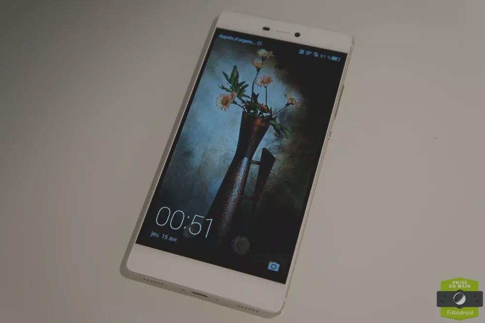 Prise en main du Huawei P8, le fleuron de la marque à taille humaine