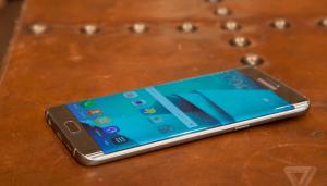 Samsung Galaxy S6 edge + : ce qu'en pense la...