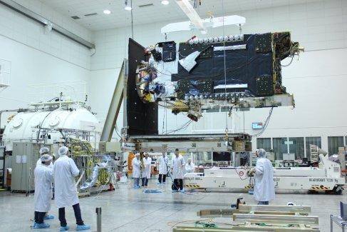 Facebook va fournir de l'Internet par satellite en Afrique dès 2016