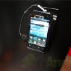 MWC 2012 : Prise en main du Motorola Defy Mini