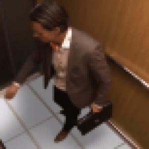 Anecdote : LG teste ses écrans dans un ascenseur !