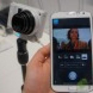 CES 2013 : Samsung dévoile le NX300, un appareil photo hybride 3D et une gamme complète d'appareils photos connectés Smart Camera