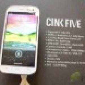 Prise en main du Wiko Cink Five, un «5 pouces» à moins de 200 euros
