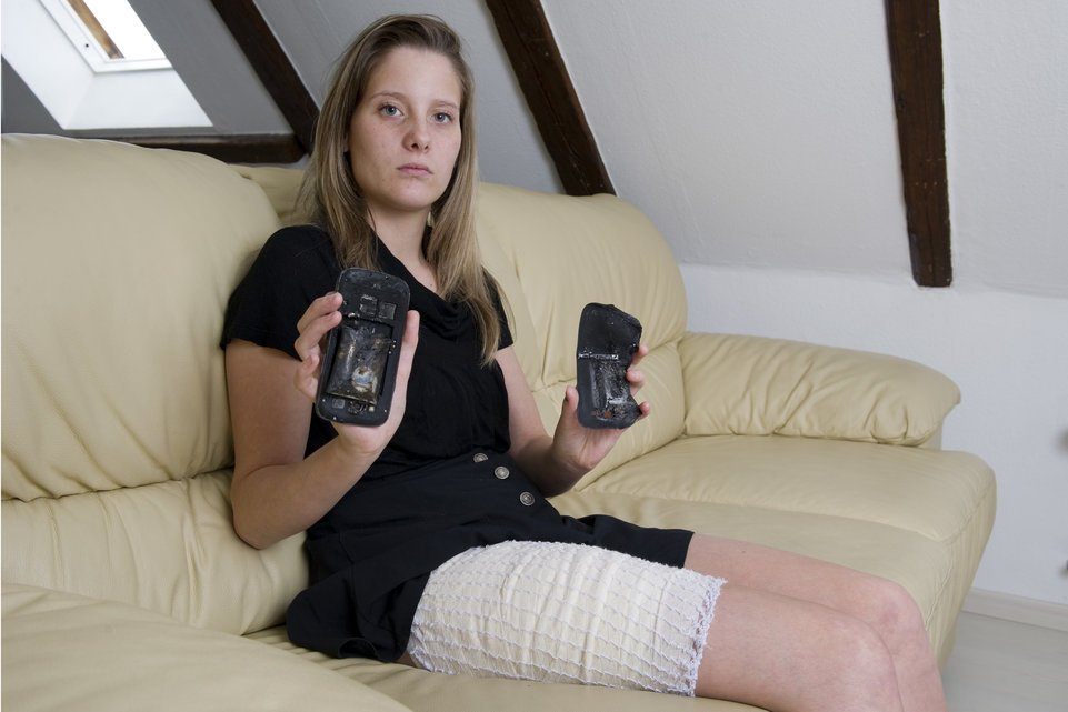 Galaxy S3 : le mobile qui a pris feu n'avait pas une batterie officielle