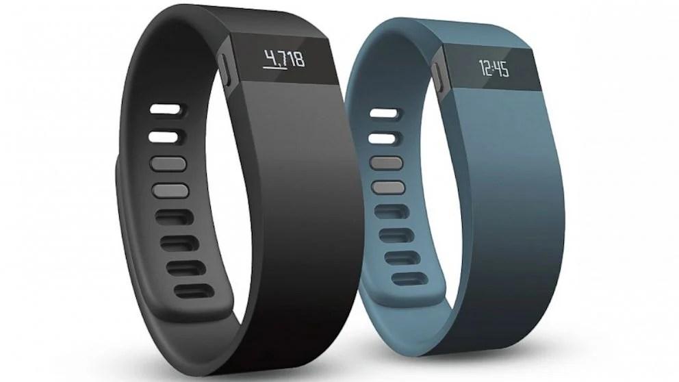 Trackers d'activité et montres connectées : Fitbit et Pebble en tête