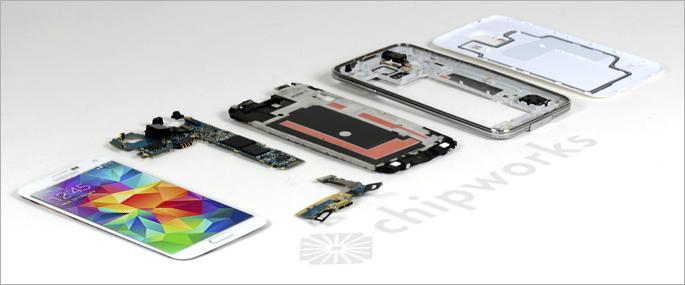 Le Samsung Galaxy S5 démonté dévoile ses entrailles : suivez le guide
