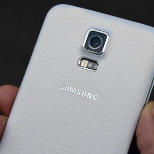 Galaxy S5 : Samsung confirme qu'il y a bien un problème d'appareil photo sur quelques appareils