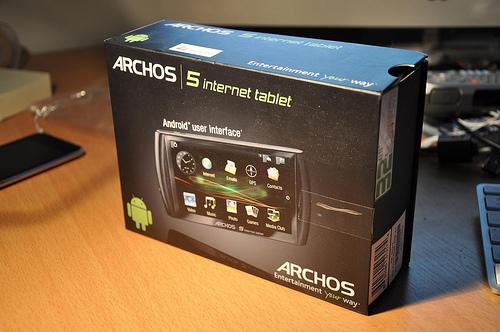 Test de l'Archos 5 Internet Tablet : présentation, caractéristiques et connectique – partie 1/3