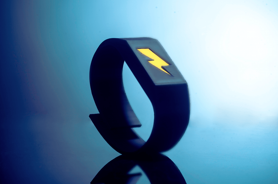 Pavlok, le bracelet connecté qui envoie des chocs électriques
