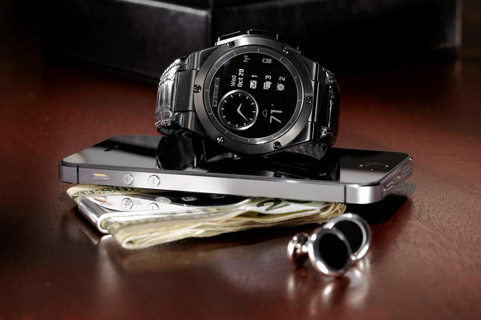 HP officialise la MB Chronowing, sa première montre connectée