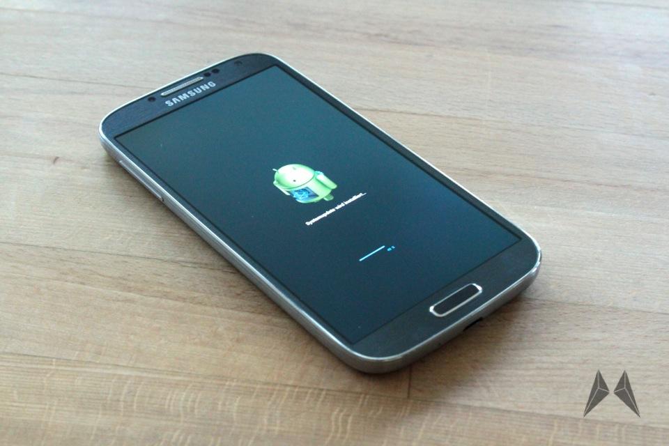 Samsung Galaxy S4 : un premier aperçu d'Android Lollipop avec Touchwiz