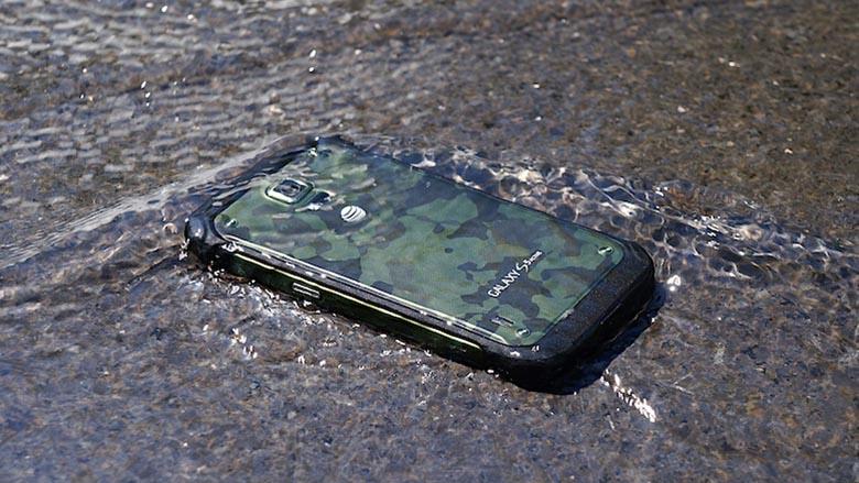 Le Samsung Galaxy S6 Active pourrait opter pour un port micro-SD et une batterie amovible
