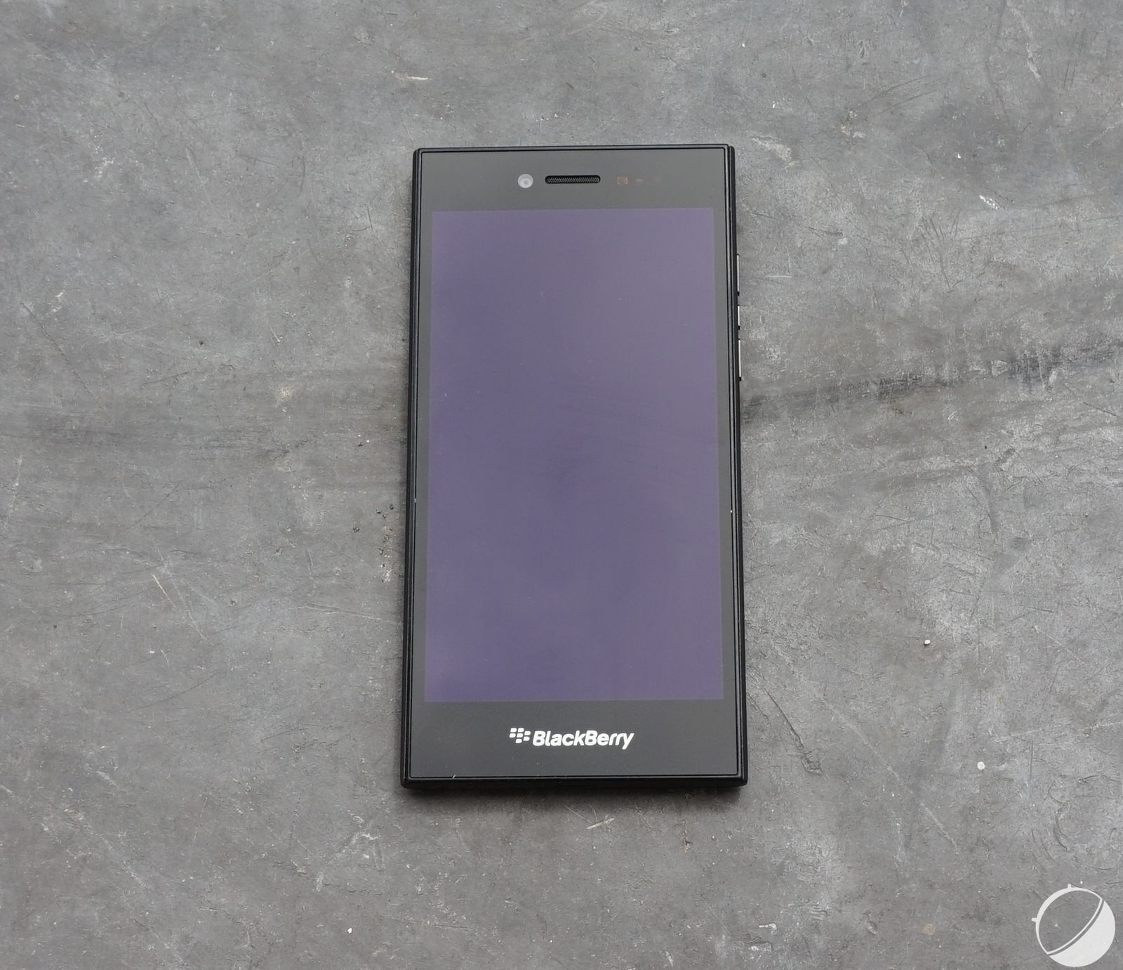 Prise en main du BlackBerry Leap : un Z30 légèrement remanié