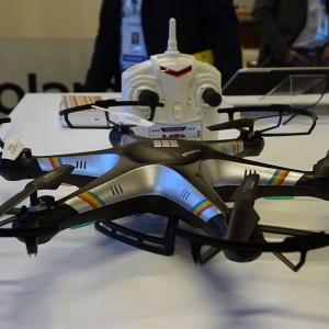 Polaroid se met aux drones avec un Phantom (à ne pas confondre avec ceux de DJI)
