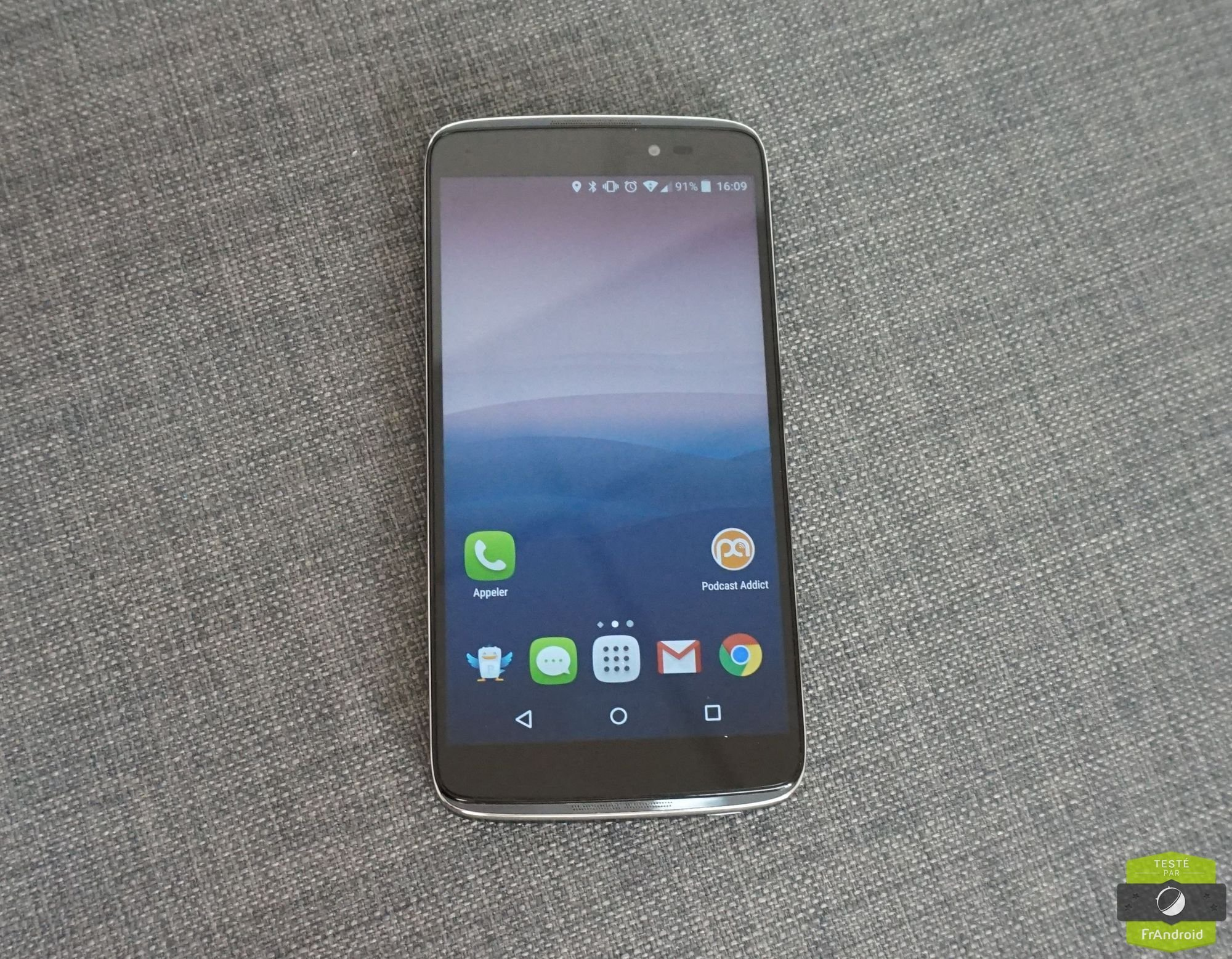 Test de l'Alcatel One Touch Idol 3 : le smartphone renversant