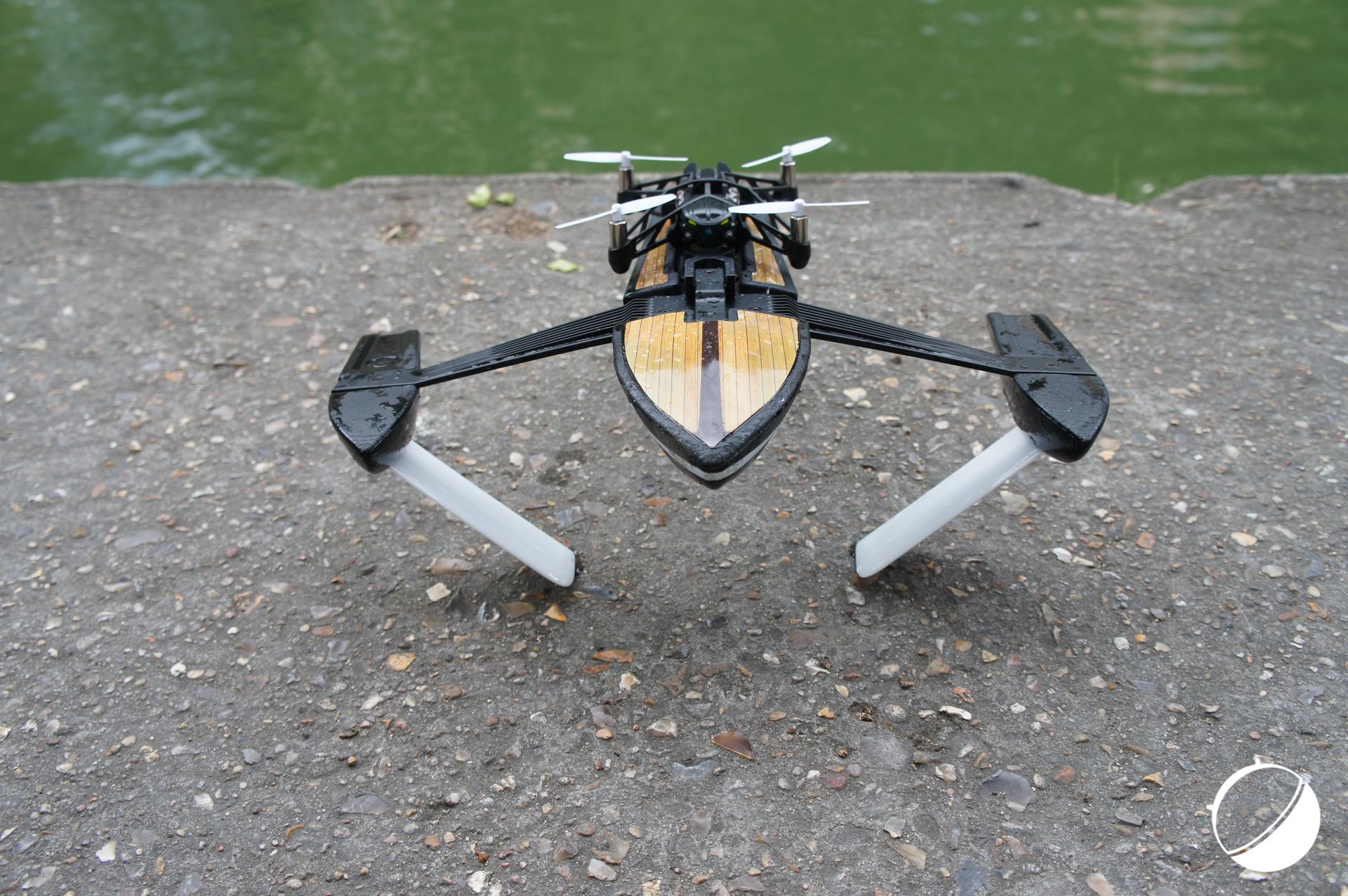 Prise en main du Parrot Hydrofoil Drone, l'hybride hydroptère – quadricoptère