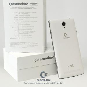 Commodore revient (encore) avec un smartphone, le Commodore PET