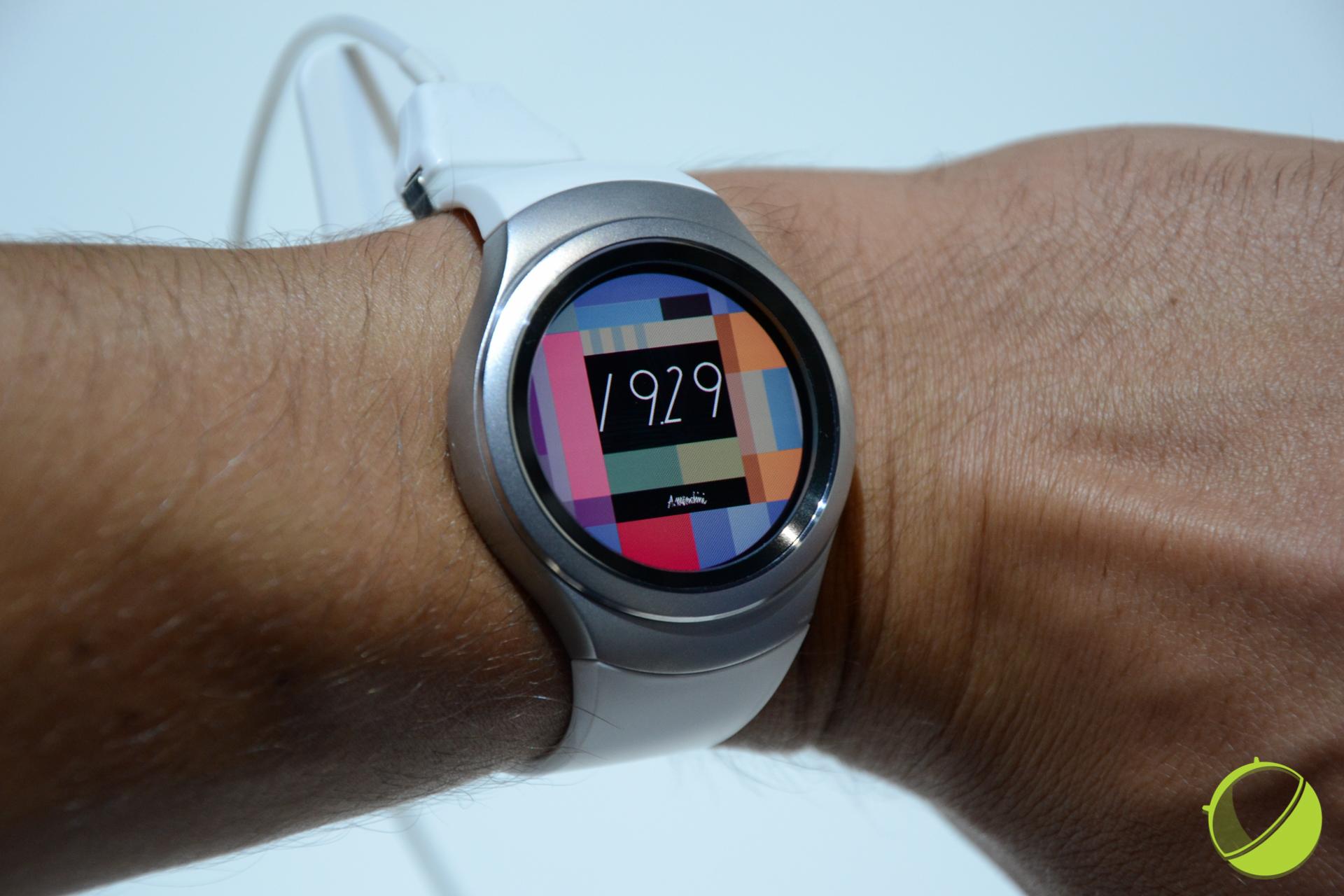Samsung Gear S2 : un revendeur donne une date précise pour l'Europe