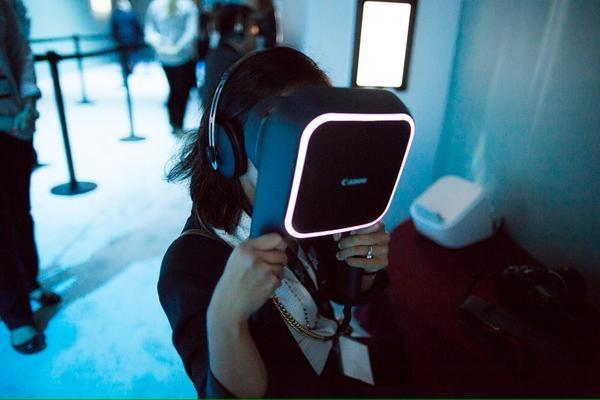Canon se met également à la réalité virtuelle avec un impressionnant prototype