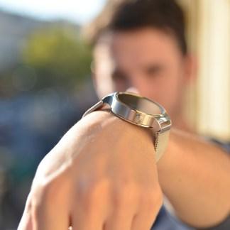 Test de la Huawei Watch : la plus belle pour orner nos poignets