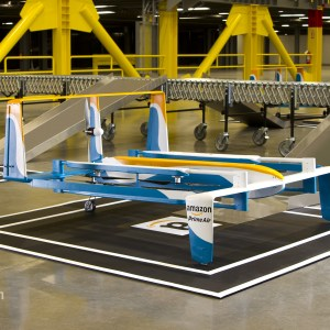 Amazon Prime Air : les drones prêts à livrer par voie aérienne