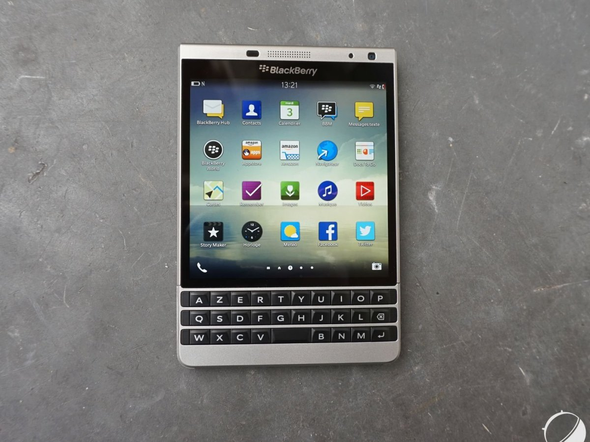 Prise en main du Blackberry Passport Silver Edition : le carré parfait