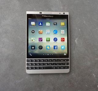 Prise en main du Blackberry Passport Silver Edition : le carré parfait