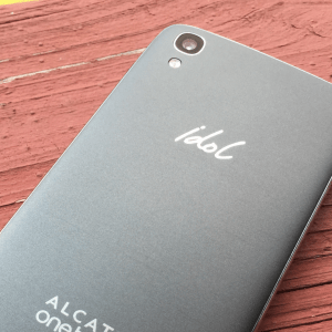 Alcatel Onetouch Idol 4 : place au Snapdragon 652 ?