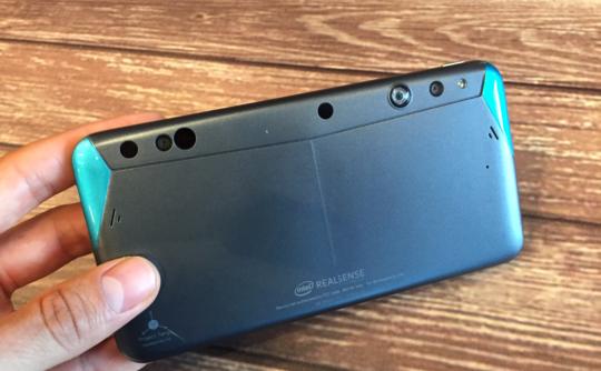 CES 2016 : Le smartphone Intel RealSense du Projet Tango est en précommande