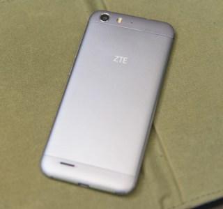 Test du ZTE Blade V6, l'aluminium ne fait pas tout