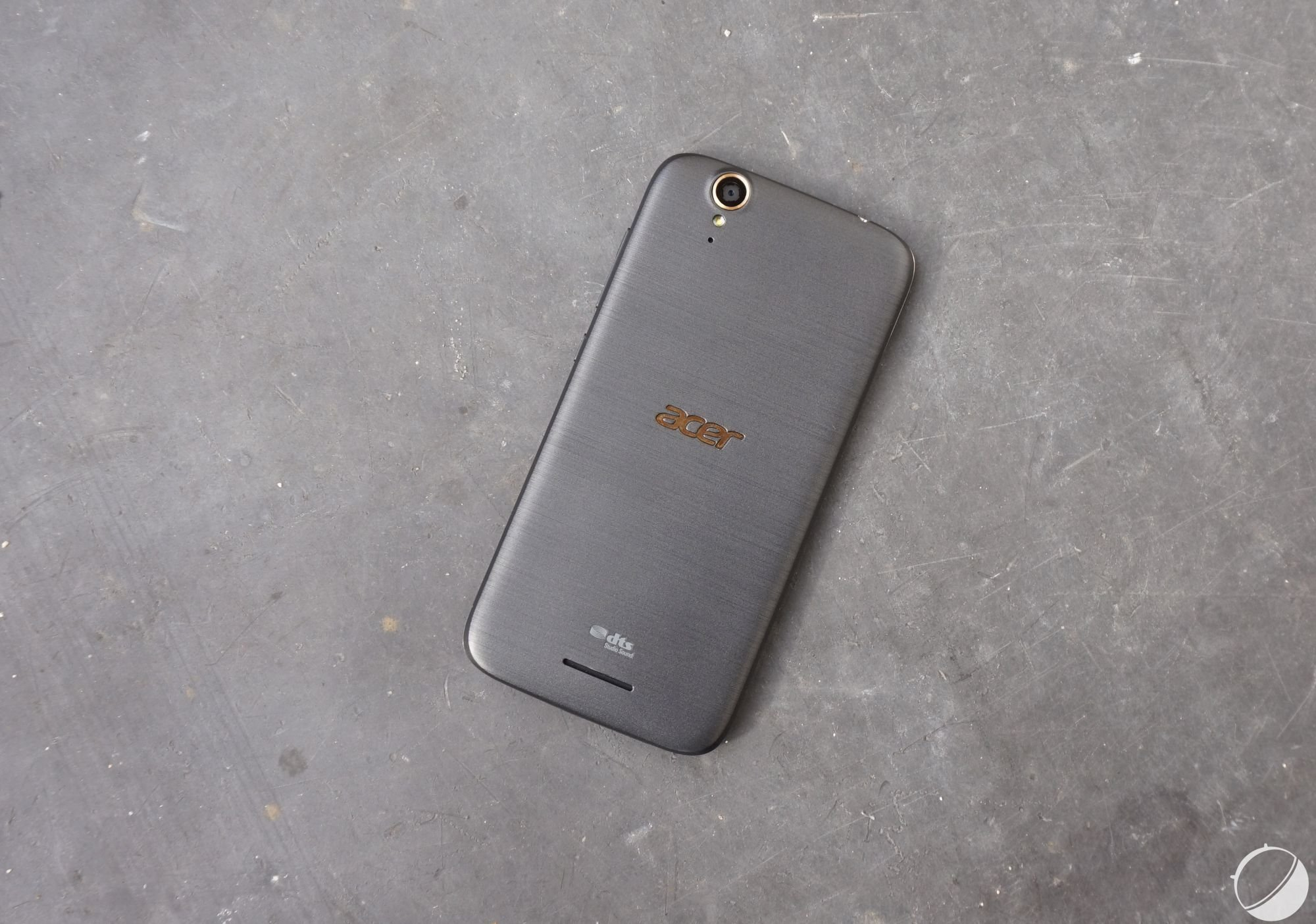 Test de l'Acer LiquidZ630S : l'autonomie au prix (trop) fort