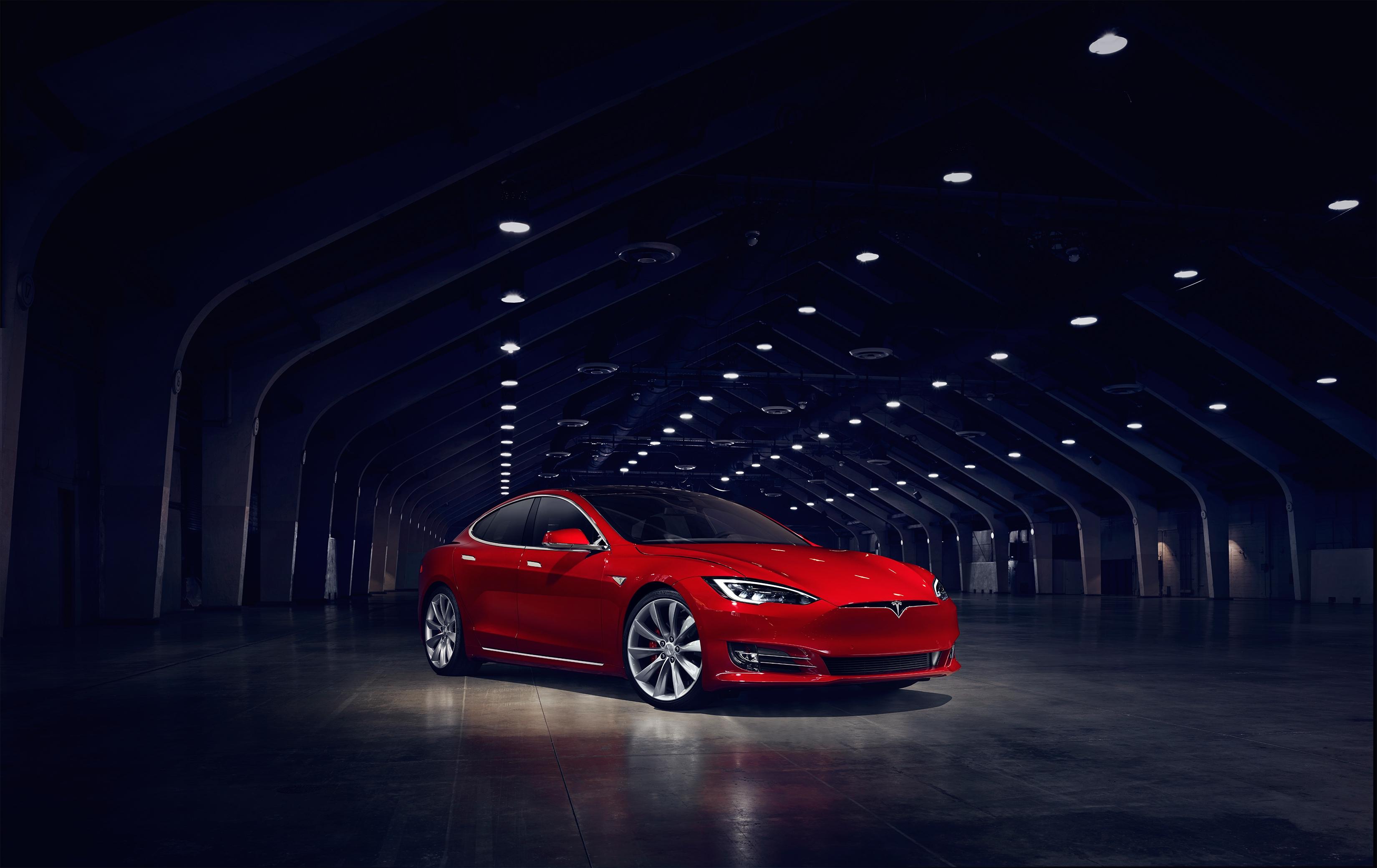 Tesla restyle la Model S et augmente son prix