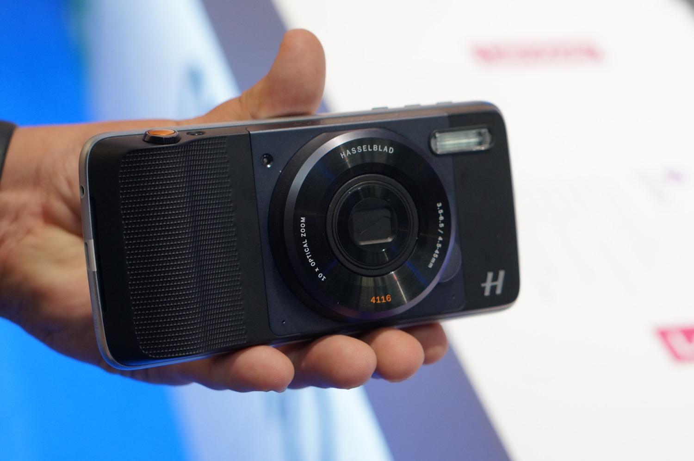 Hasselblad True Zoom, un capteur photo avec zoom optique pour le Moto Z