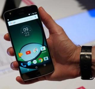 Prise en main du Lenovo Moto Z Play, il se démarque de la concurrence