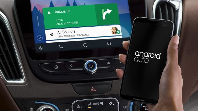 « Ok Google » peut réveiller Android Auto : fausse bonne idée ?