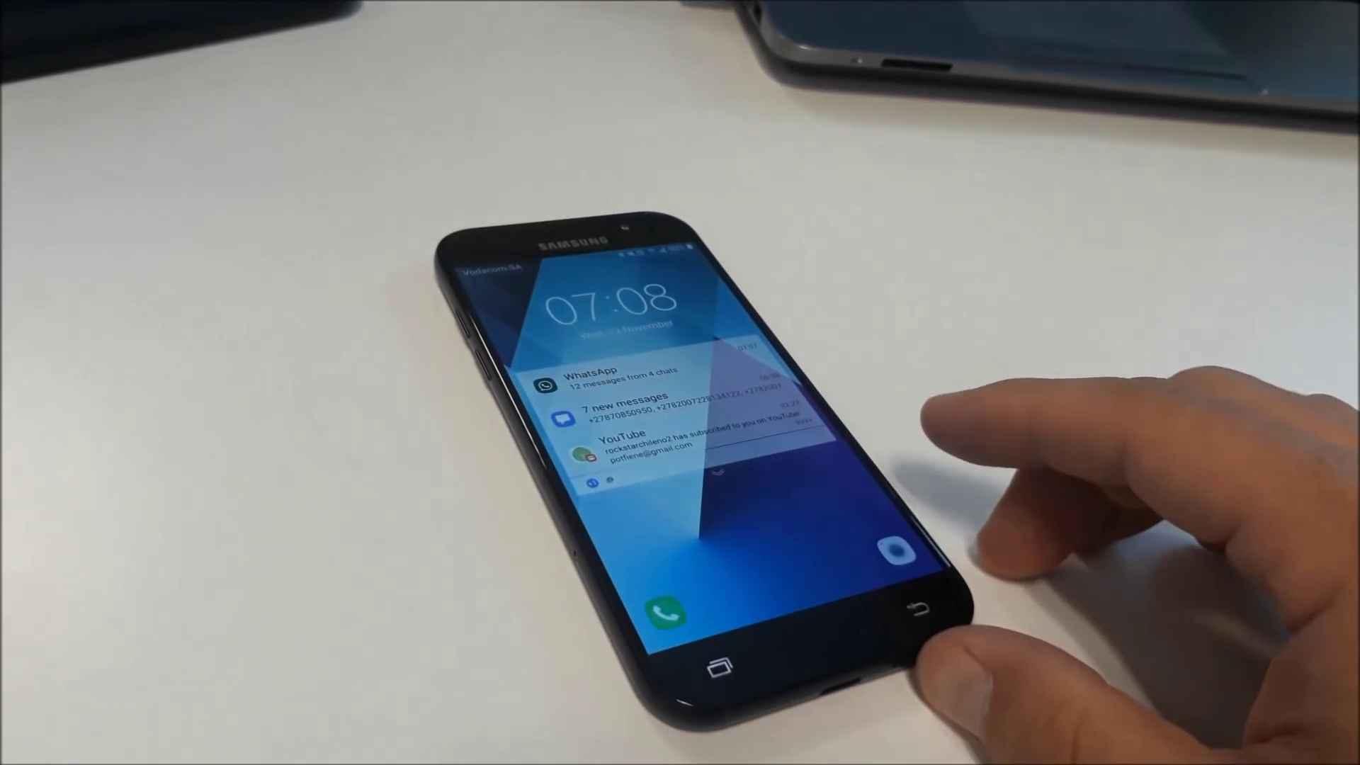 Samsung Galaxy A5 (2017) : on sait tout de lui grâce à une vidéo YouTube