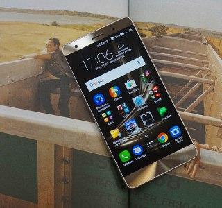 Test de l'Asus Zenfone 3 Deluxe : le (De)luxe n'excuse pas le prix