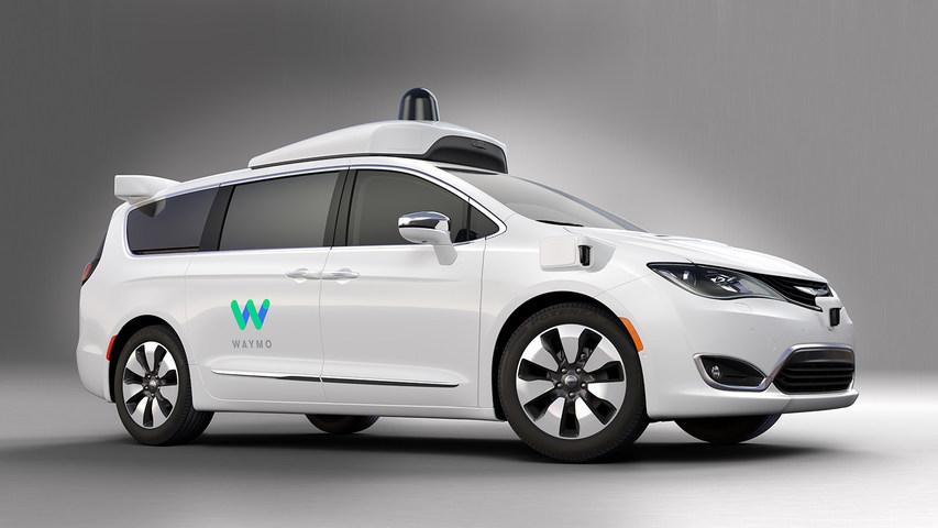 Les 100 premières Google Car de Waymo sortent d'usine