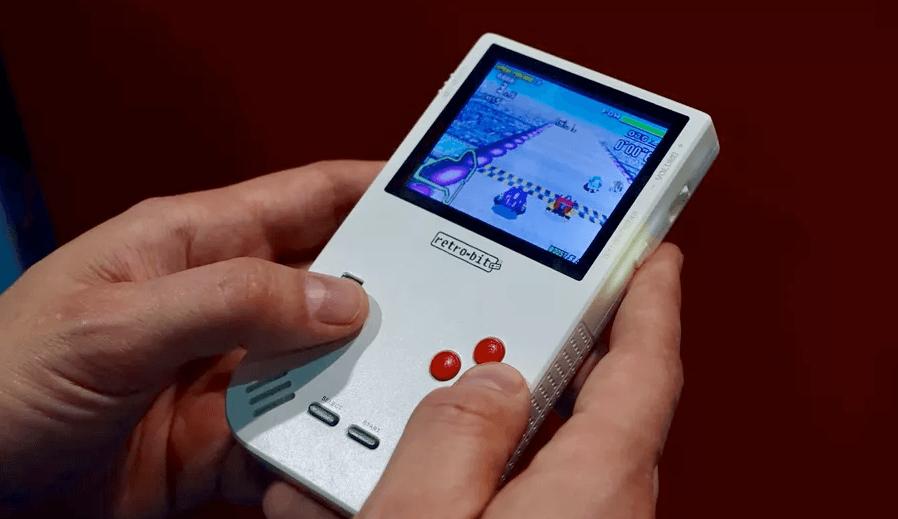 Super Retro Boy : 80 dollars pour une Game Boy (nouvelle génération)