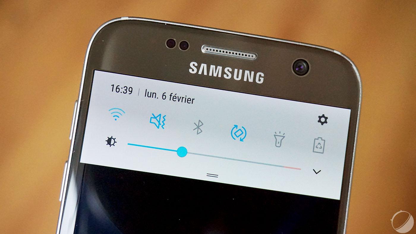 Samsung Galaxy S7 et S7 edge : comment afficher le réglage de luminosité dans le volet des paramètres de Nougat ? – Tutoriel