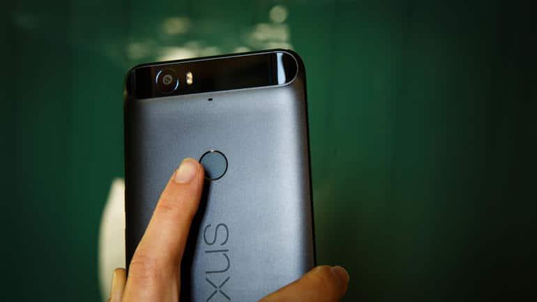 Android 7.1.2 : les gestes sur le lecteur d'empreintes arrivent enfin sur le Google Nexus 6P