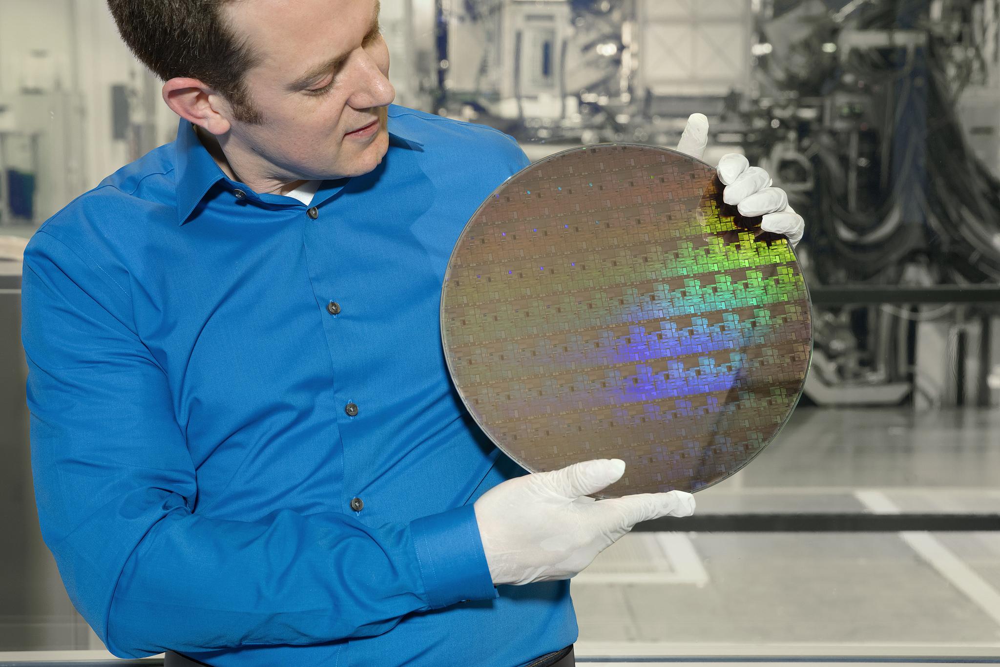 Les puces en 5 nm d'IBM consommeront 4 fois moins d'énergie