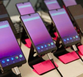 Essential Phone 2 : au fait, la marque existe encore et sort de son silence de 2 ans